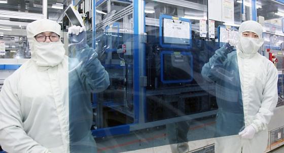 """和日本""""说再见"""" LG显示器将全面使用国产氟化氢"""
