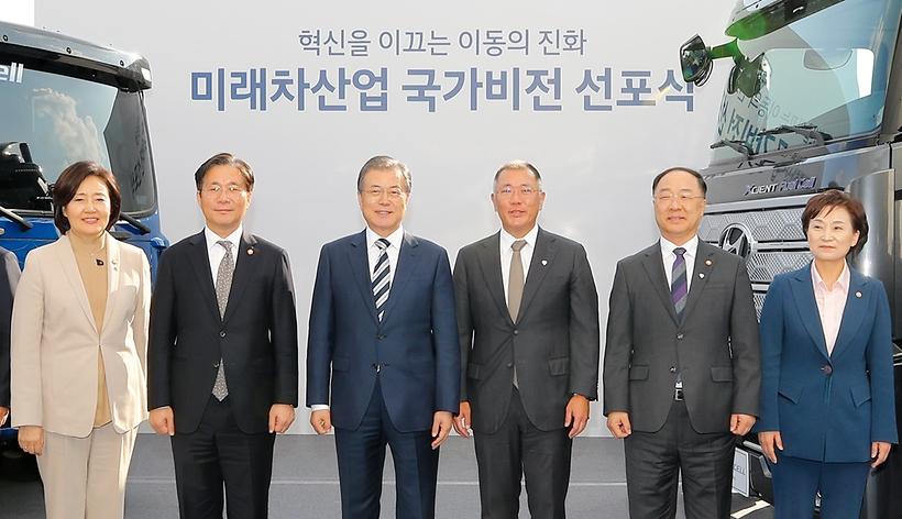 이재용 이어 정의선 만난 文대통령…대기업 '氣살리기' 가속