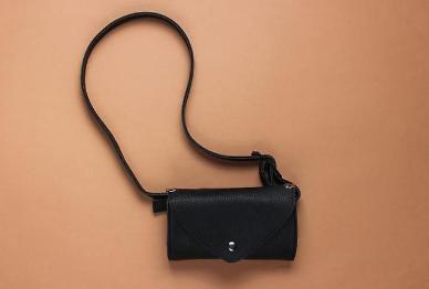 Customs tariffs underline love for luxury handbags in S. Korea
