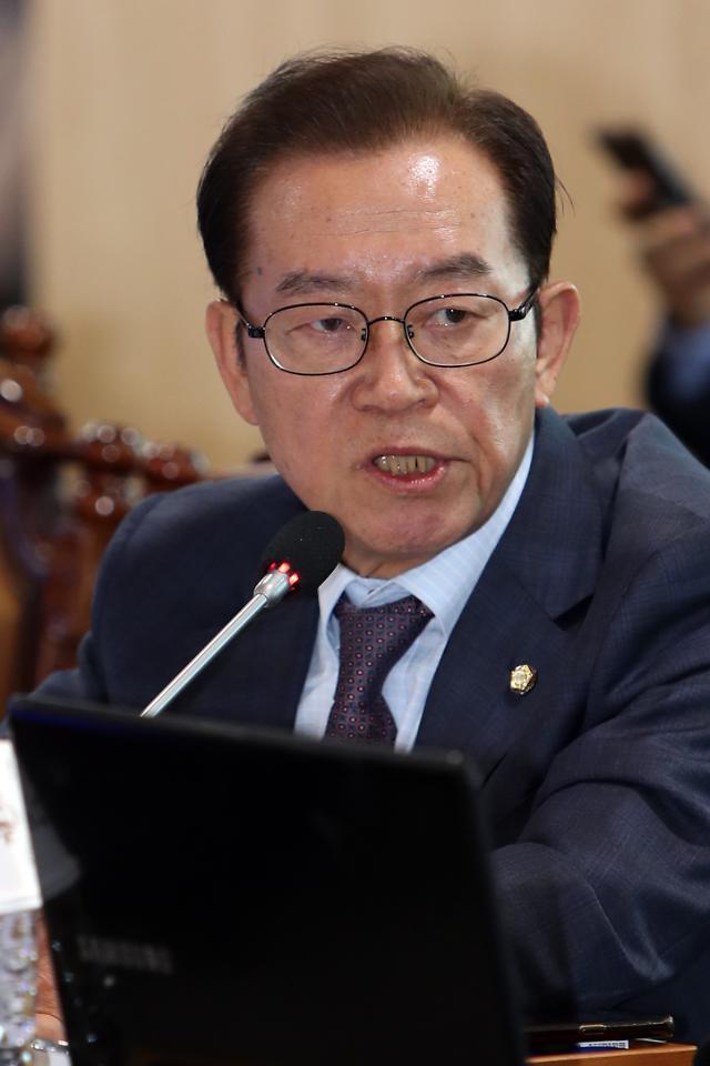 [국감현장] 낙하산 저격수 이종배, 文사위 취업 문제 지적