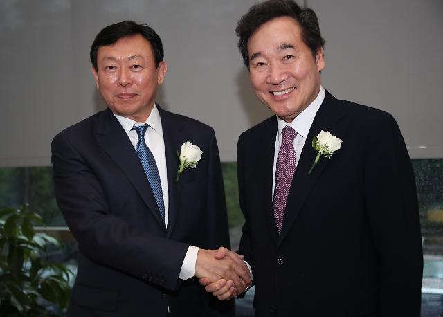 韩总理李洛渊今日与辛东彬会面 或就改善韩日关系进行讨论