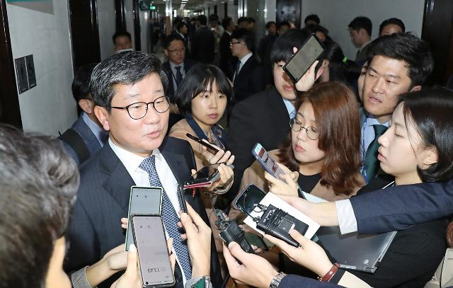 """부상하는 전해철 법무부 장관 카드…靑 """"추측해 말할 수 없다"""" 신중모드"""