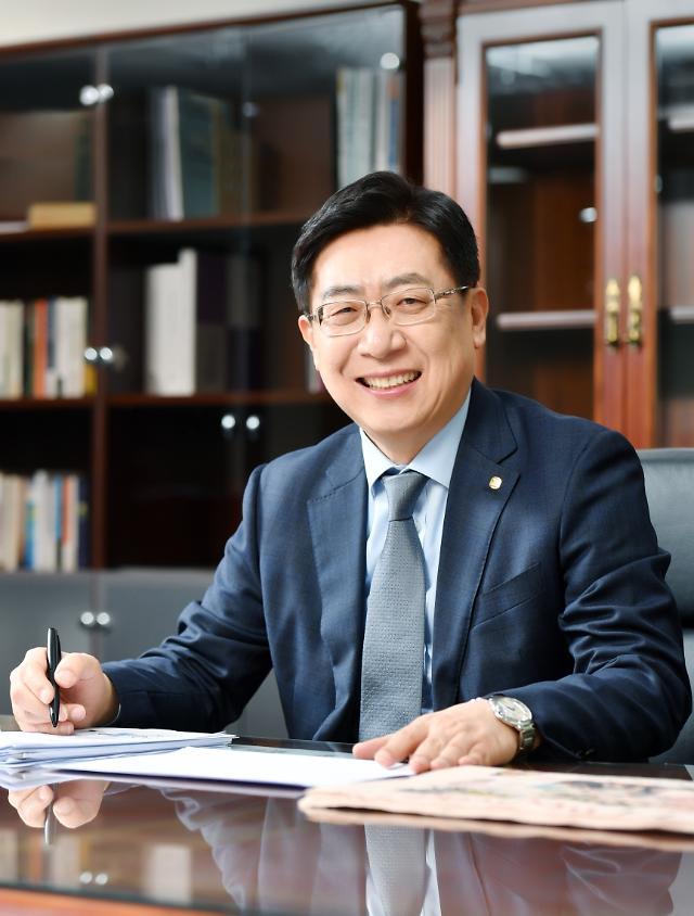 [CEO NOW] 박재식 저축은행중앙회장의 규제 완화 잰걸음