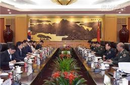 .中国国防部长连续同韩朝国防副部长级人士会谈.