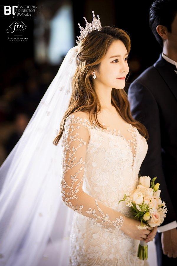 """티아라 출신 한아름, 결혼 소감…""""꿈 꾸는 26살 아내 될 것"""""""
