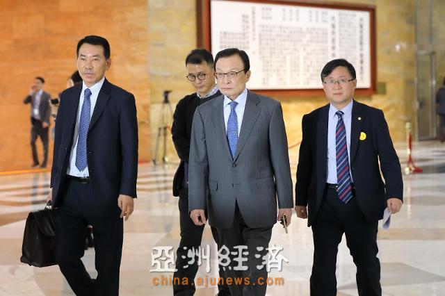 李海瓒、李仁荣等出席今日在国会举行的总统施政演讲