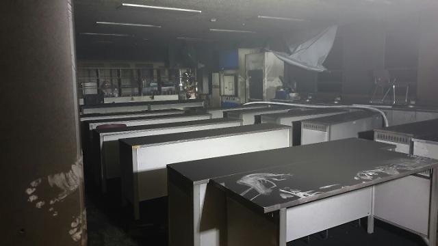 [포토] 군산 고등학교 화학실서 화재, 200여명 대피