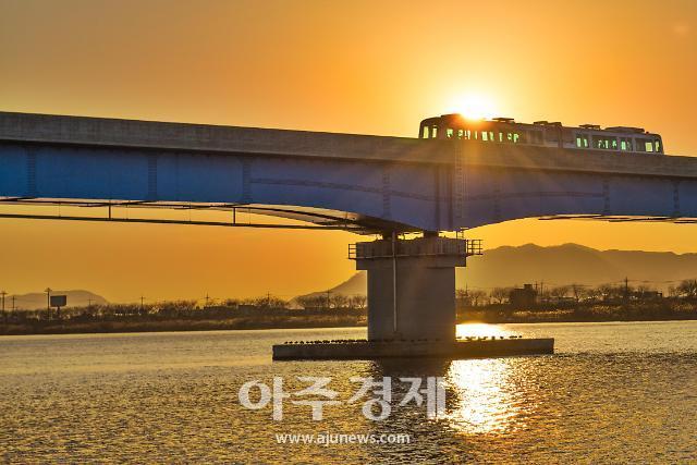 김해시, 부산불꽃축제 당일 경전철 증편·연장 운행