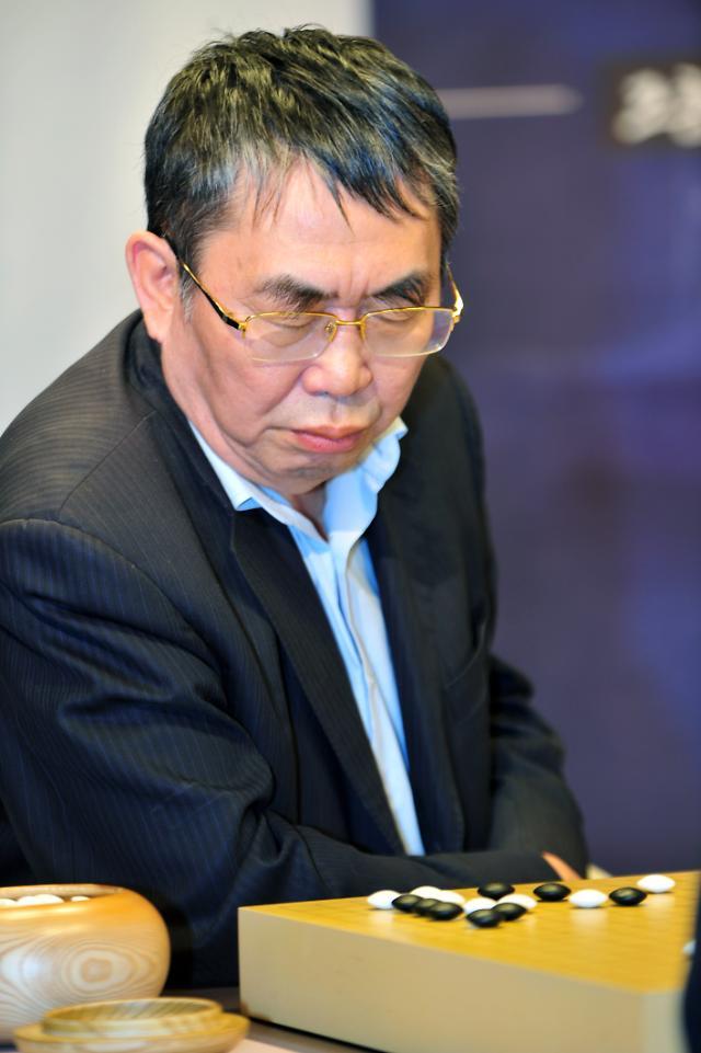 聂卫平曹薰铉在韩再度交锋