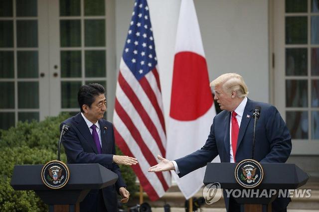 """美 환심 사려다 거짓말쟁이 된 일본...""""미국산 옥수수 수입 제로"""""""