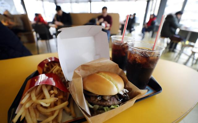 """从""""衣食住""""到""""食住金融"""" 韩消费生活重视领域悄然改变"""