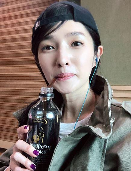 """[#SNS★] 김경란 나이는? 일상 모습 보니…누리꾼 """"40대 맞아?"""""""