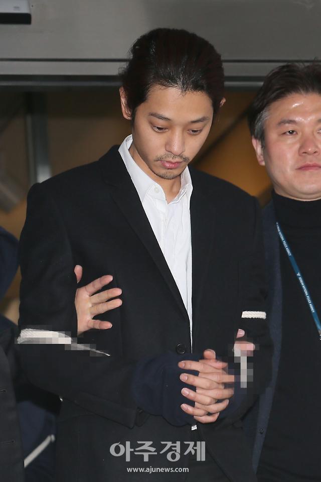 """소녀시대 유리 오빠·가수 정준영·가수 최종훈 등 """"징역 선고"""""""