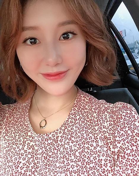 """""""나비처럼 훨훨""""... 가수 나비, 비연예인 남자친구와 깜짝 결혼 발표"""