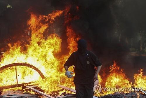 중남미 반정부 시위 배경엔 두 번째 잃어버린 10년?