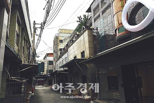 """국내 집창촌 1번지 마산 신포동…허성무 창원시장 """"CCTV 설치해 근절"""""""