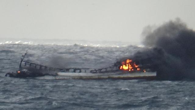 [포토] 제주 차귀도 앞바다 어선 화재
