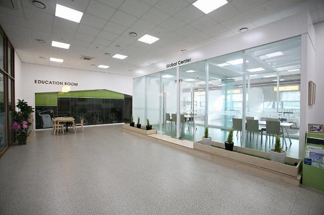IFEZ, 11월29일 G타워 1층서 자선 바자회 개최