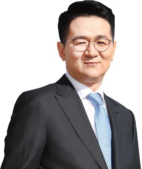 Hanjins new chairman unveils conservative strategy to improve financial structure of troubled units
