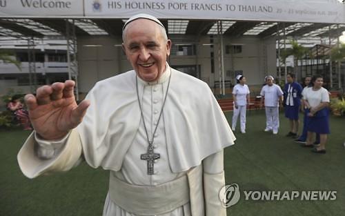 프란치스코 교황, 23일 방일…韓 원폭희생자 위령비 찾을까
