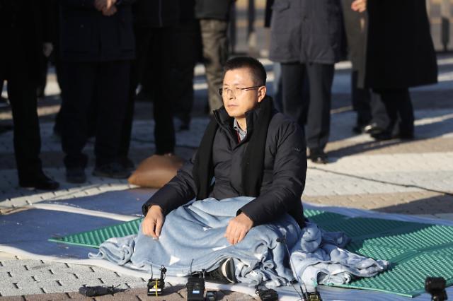 [포토] 황교안 대표, 삭발 이어 단식 투쟁