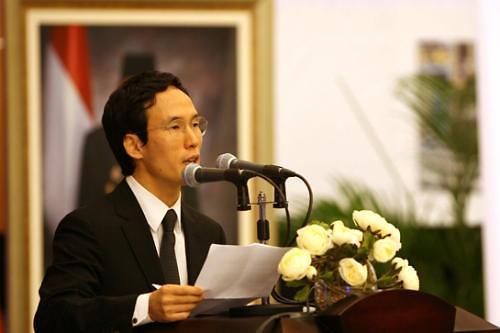 뒷돈 수수 혐의 조현범 한국타이어 대표 법원 출석...묵묵부답