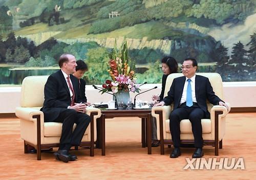 中왕치산, 미국의 일방주의, 인류 위협