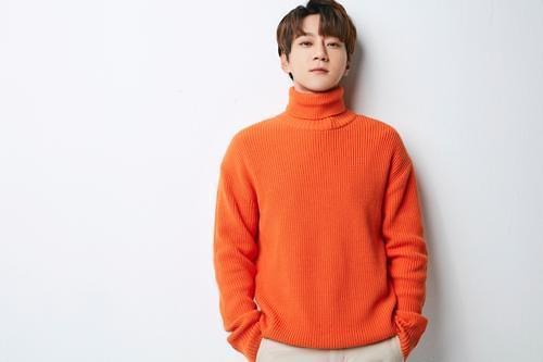 歌手黄致列下月发行新曲