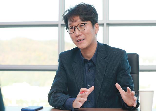 """[아주초대석] 이태현 콘텐츠웨이브 대표 """"옆에 두는 책 한권 같은 OTT가 되고 싶다"""""""