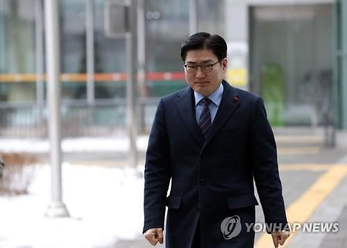사기적 부정 거래 방조 이정훈 강동구청장, 재판서 무죄 주장