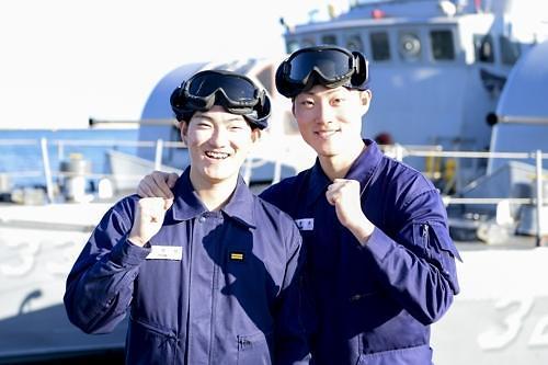 신병이 동생이라니... 해군 참수리호 형제 선후임 눈길