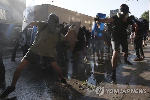 대규모 시위에 중남미 통화가치, 사상 최저 행진