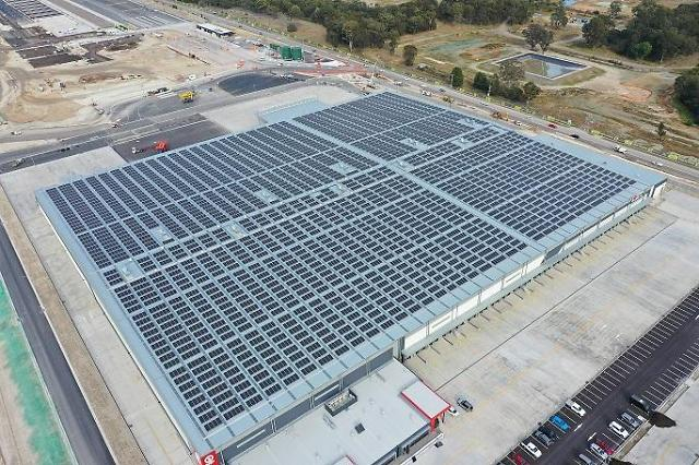 LG전자, 호주 최대 물류단지에 초고효율 태양광 모듈 7천여장 공급