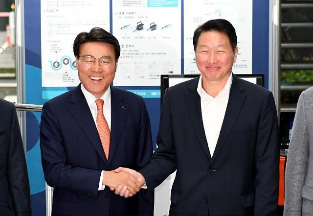 목표는 '기업의 사회적 가치' 극대화… 최태원-최정우의 행복한 동행