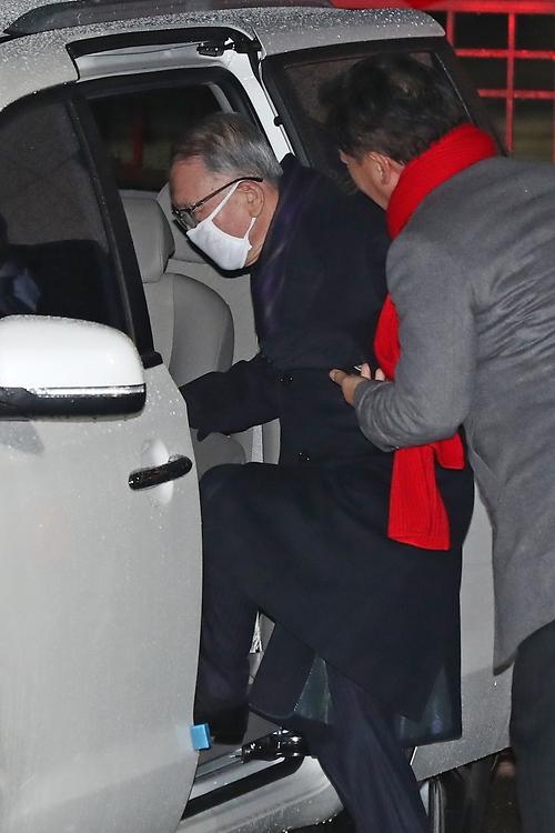 김기춘 전 비서실장, 재수감 425일 만에 석방