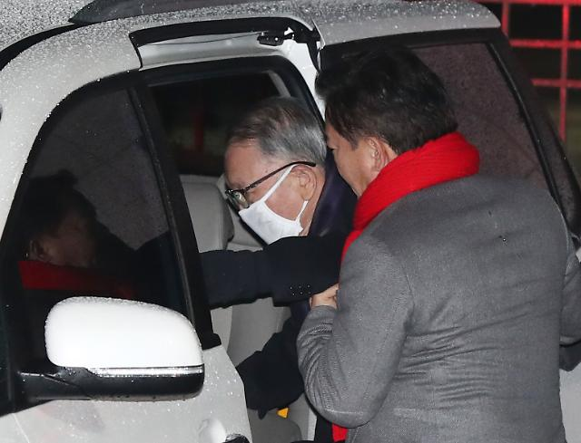 [슬라이드 화보] 김기춘 전 비서실장, 재수감 425일 만에 석방