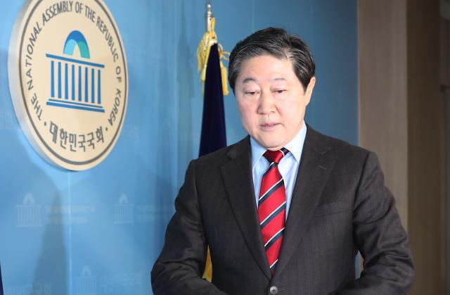 한국당 원내대표 교체… 패스트트랙 정국 변곡점 만드나