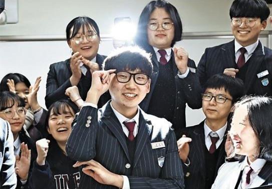 [광화문갤러리] 전교 꼴찌에서 수능 만점 김해외고 송영준군