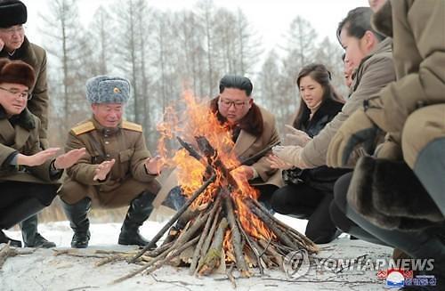 김정은 백두산行에 트럼트 로켓맨 화답... 北방사포 4연발 사격 임박?