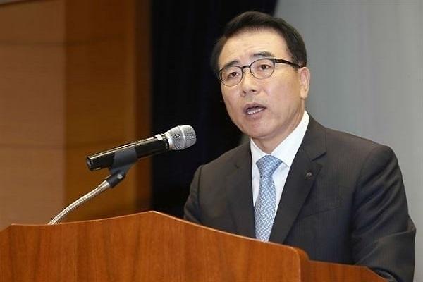 금감원, 신한금융에 회장 선임 관련 법적 리스크 우려 전달