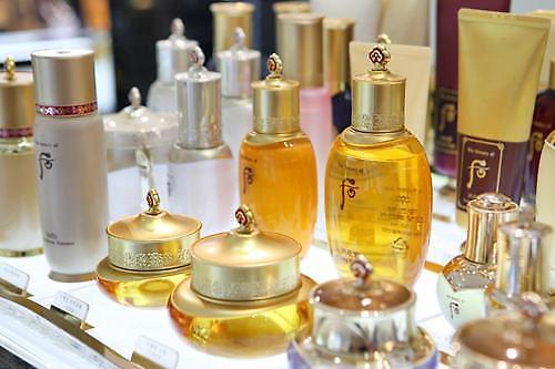 天然成分化妆品在华热销 韩妆品牌从中获益