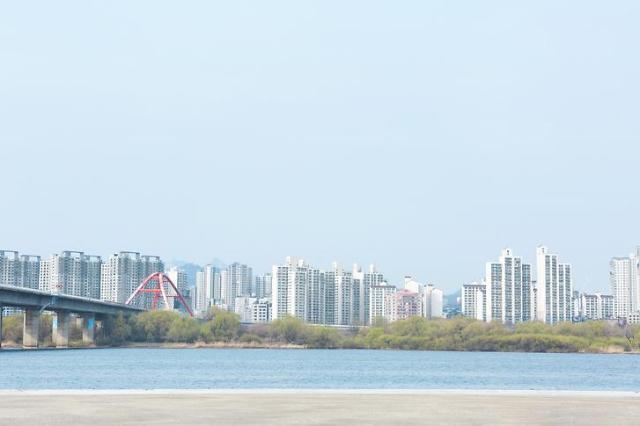 서울 아파트값 25주 연속 상승…비강남권 상승흐름 주도