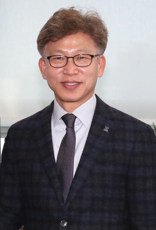 김기현 첩보 송병기, 압수수색 당일 검찰 출석... 청와대와 무관