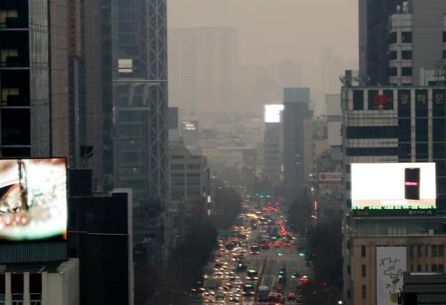 [포토] 미세먼지 자욱한 서울 하늘
