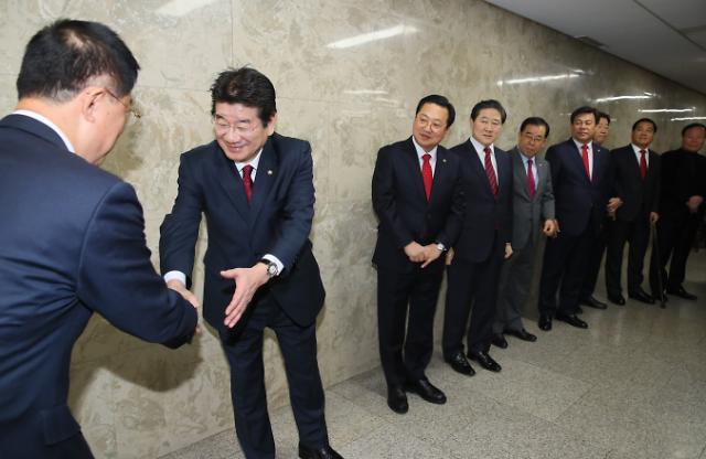 [포토] 한표 호소하는 한국당 원내대표 후보자들