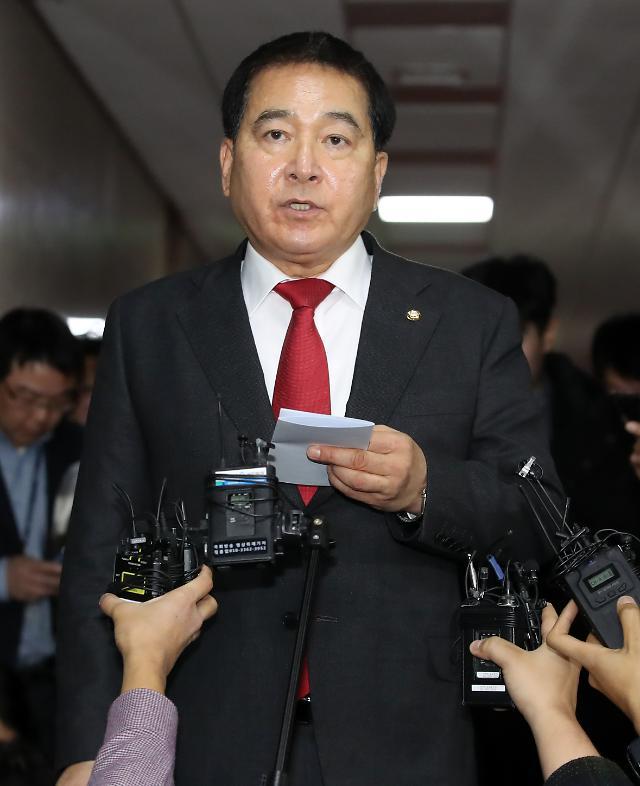 한국당 새 원내대표 심재철은 누구? 호남·운동권·비박 비주류 상징