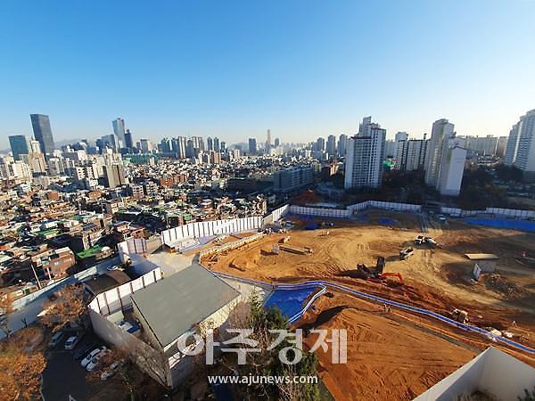 서울 청약광풍 지속…입지 단점 더샵 파크프레스티지에도 2만명 운집