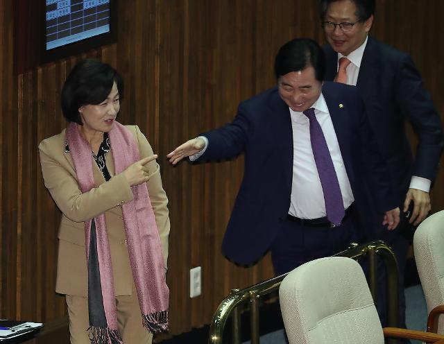 추미애, 檢 개혁 적임자…文 대통령이 꼽은 秋 소신 일화