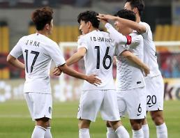 .东亚杯韩中大战15日在釜山打响.