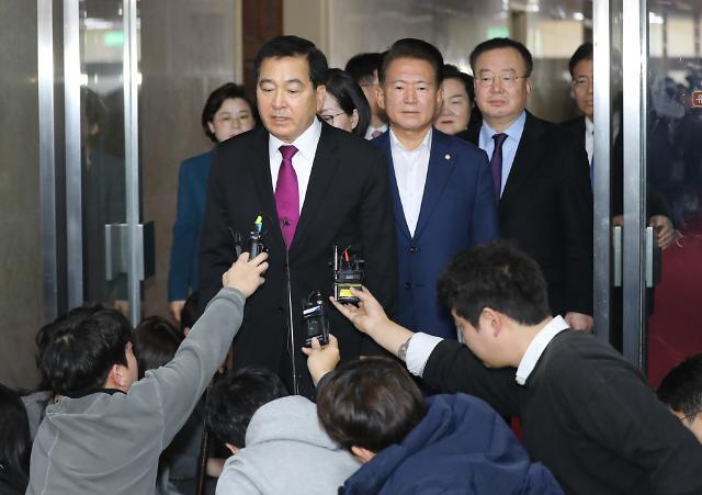 한국당, 국회 본회의 개회에 필리버스터 강행 의지